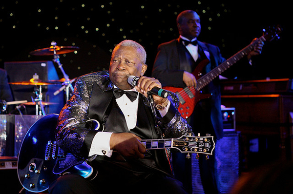 a biography of b b king Bb king biography on rolling stone, your go to source for artist bios, news, and reviews.